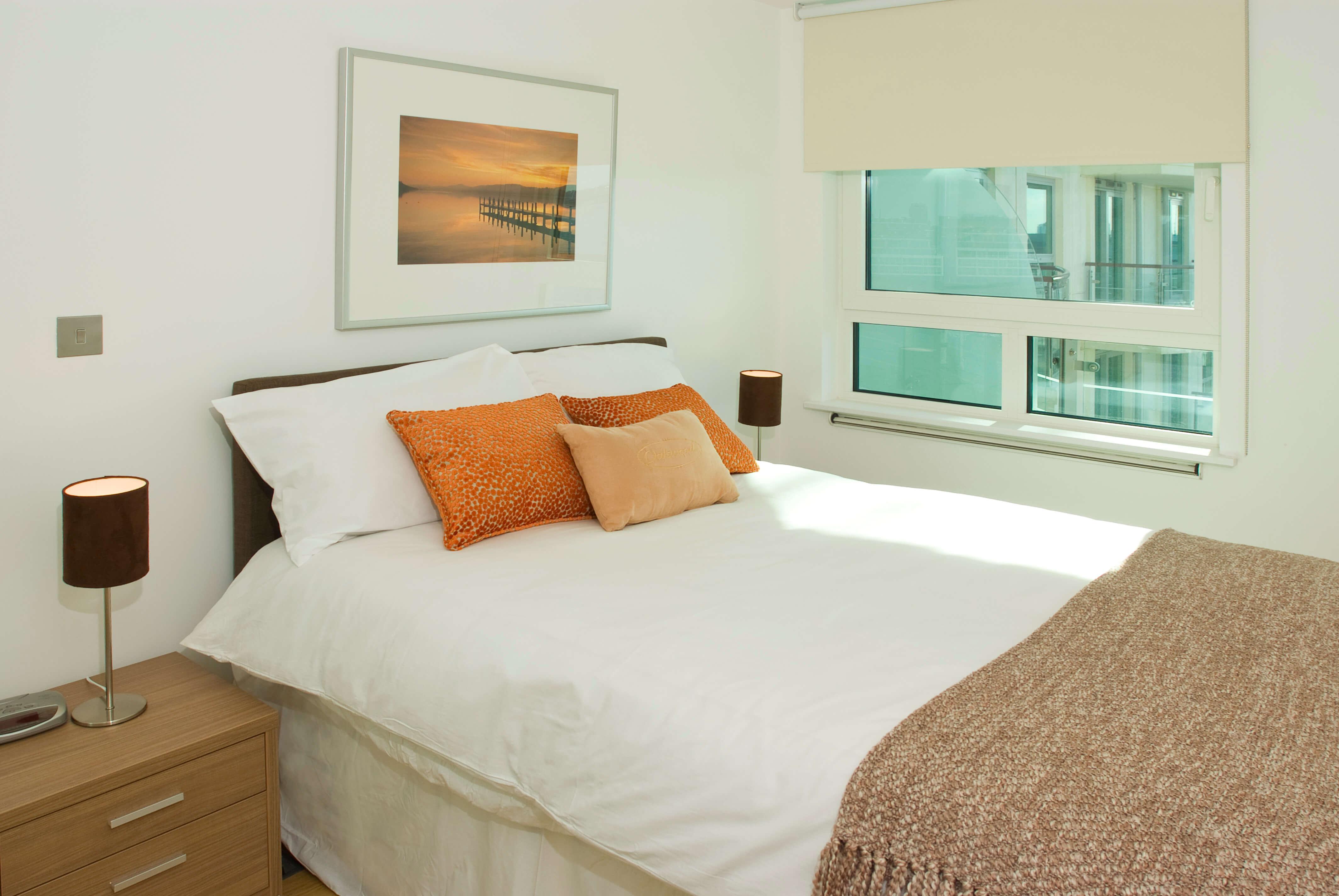 london apartememts bedroom